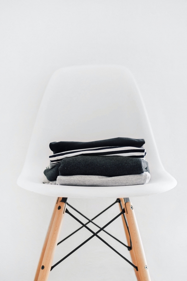 Ergonomic Shell Chair with Right Handed